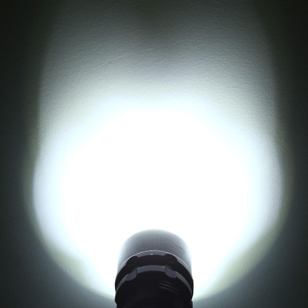 10W 3000LM CREE XM - L2 LED Diving Flashlight Underwater 30M Depth Torch Lamp BLACK WHITE LIGHT