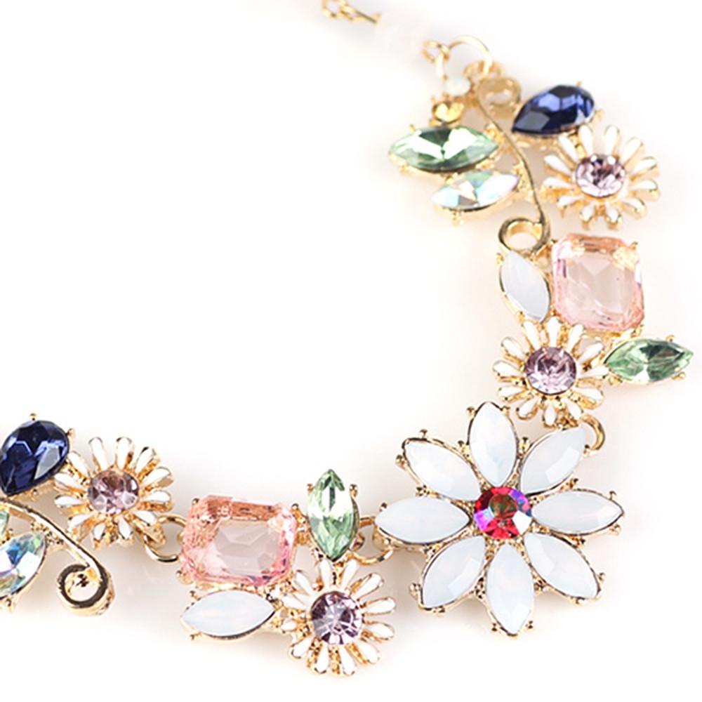 Faux Gem Flower Necklace GOLDEN