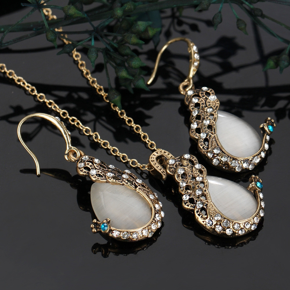 2PCS Peacock Cat'S Eye Crystal Earrings Necklace Set WHITE