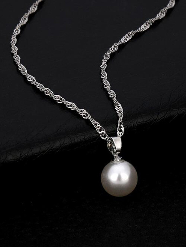 Faux Pearl Collarbone Pendant Necklace SILVER