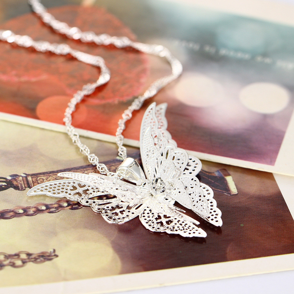 Fashion Lovely Butterfly Pendant Necklace Wing SILVER