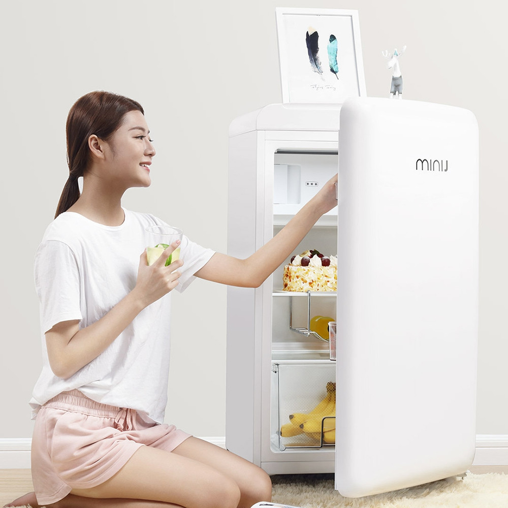BC - M121RW 121L Mini Retro Refrigerator Freezer Fresh Food Storage Uni-body Fridge Icemaker